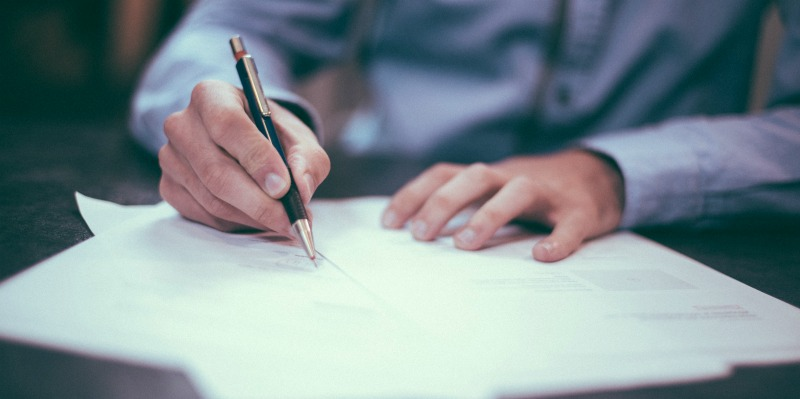Signing an unconditional lien waiver form